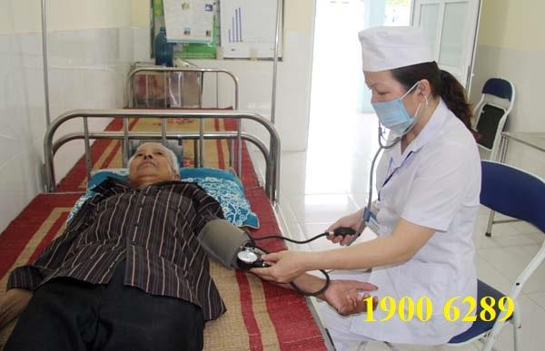 Trình độ chuyên môn của nhân sự làm việc tại các trạm y tế cấp xã